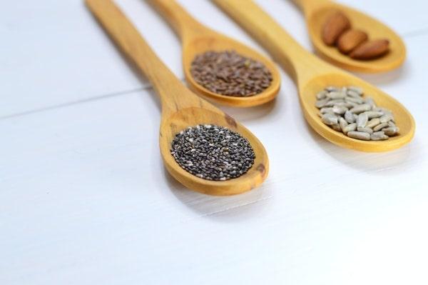 semillas y frutos secos en una dieta de definicion muscular